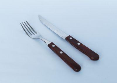 Cubierteria cabo madera: Cuchillo fuerte, tenedor fuerte