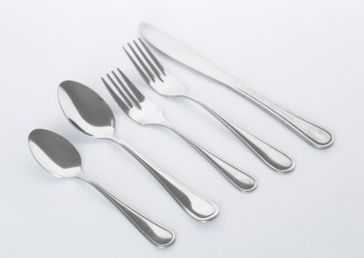 Cubierteria hamilton: Tenedor fuerte, cuchillo fuerte, cucharita, cuchara sopa, tenedorcito