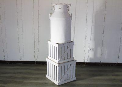 Cantina blanca tamaño real 60 alto x 35 ancho