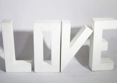 Letras love madera  55 x 23 cm (unidad)