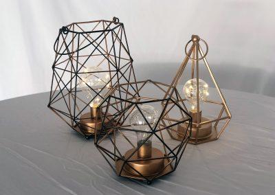 Geométricos bronce con bombilla batería AA 3 figuras